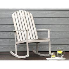 Ce superbe fauteuil rocking chair à bascule d'inspiration bord de mer a été conçu par la marque House Bay. Disponible en plusieurs coloris (gris, teck et blanc) il est entièrement constitué d'acacia qui est une matière connue pour sa résistance à l'humidité, sa dureté et sa durabilité.  Ajoutez un style maison de vacances à votre chez vous avec ce fauteuil ! #fauteuil #rockingchair   #mobilier