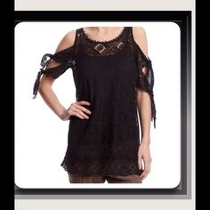 Free People gorgeous open shoulder Top Beautiful cotton lace tunic features tied open sleeves and deep back with self- tie, scallop edging, wear over a cami with skinny pants Free People Tops Tunics