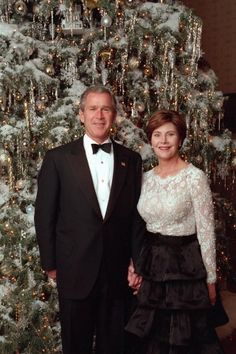 Christmas Themes: Laura Bush and the Comforts of Home - Photo 2