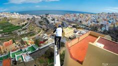 épinglé par ❃❀CM❁✿Danny MacAskill sur les toits de Las Palmas