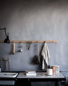 How the studio kitchen changes according to mood and seasons, here spring & winter. 👉🏻🌱🌿❄️ I'll soon find all the summer & fall ones too. Interior Styling, Interior Decorating, Interior Design, New Kitchen Doors, Lime Paint, Studio Kitchen, House Ornaments, Kitchen Stories, Kitchen Decor Themes