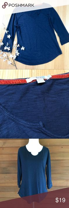 BODEN navy blue soft shirt, 6. Boden navy blue three-quarter sleeve T-shirt, size US 6. Slub fabric, front pocket. Excellent condition, super cute. Bust measures 18.5 inches, length is 25 inches, sleeve 18 inches. Perfect for fall layers. Boden Tops Tees - Long Sleeve