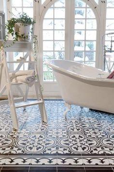 Tile Decals - Tiles for Kitchen / Bathroom Back splash - Floor Decals - Carreaux Ciment Encaustic Trefle Vinyl Tile Sticker Pack Cream & Black - I like to live - Cute Apartment Decor, Bathroom Floor Tiles, Light Bathroom, Morrocan Tiles Bathroom, Cement Bathroom, Tile Floor, Mosaic Bathroom, Bathroom Small, Moroccan Tiles