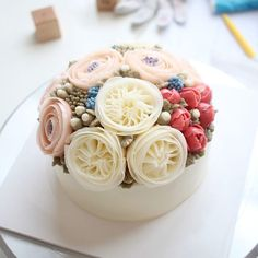 2nd basic class - Student's work . . #flowercake#flower#장미#baking#tulip#wedding#케이크#베이킹#플라워케이크#flowercakeclass#bakingclass#튤립#ranunculus#koreanbuttercreamflowercakeclass#rose#bouquet#fiore#torta#buttercream#buttercreamflowercake#koreanflowercake#koreanbuttercreamflowercake#韓式唧花#작약#weddingcake#birthdaycake#instacake#韓式擠花#鮮花蛋糕