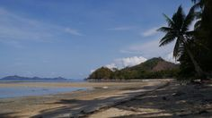 """perssonne ici"" by TravelPod blogger marco-2010 from the entry ""El Nido!"" on Wednesday, May 18, 2016 in El Nido, Philippines Les Philippines, Blog Entry, Wednesday, Beach, Water, Travel, Outdoor, Gripe Water, Outdoors"