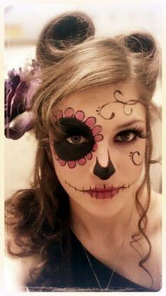 DIY Halloween Make-up / Halloween Make-up - Fereckels . - Make-up-Kunst - Make Up Costume Halloween, Halloween Make Up, Halloween Face Makeup, Halloween Ideas, Vintage Halloween, Scary Halloween, Halloween Party, Diy Maquillage Halloween, Make Up Gesicht