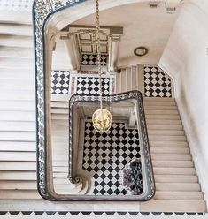 """""""Another from the private shoot at Versailles yesterday - The Questel Staircase. Taken at some risk to life and limb 😊More current Paris and spring photos…"""" Unique Home Decor, Diy Home Decor, Creative Decor, Balustrades, Stairway To Heaven, Staircase Design, Spiral Staircase, Town And Country, Amazing Architecture"""
