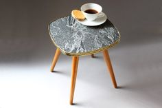 Square vintage plant stand, small coffee table, Mid Century, German furniture 50s 60s, marbled formica top black white grey and a gold rim, prop, Blumenhocker / Beistelltisch / kleiner Tisch /