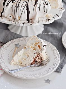 Meringue Pavlova, Blueberry Cheesecake, Camembert Cheese, Cardmaking, Ethnic Recipes, Food, Baked Blueberry Cheesecake, Essen, Meals