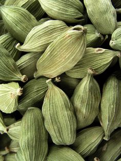 Paul Smith Extreme for men, cardamom top note Vegetables Photography, Fruit Photography, Fruit And Veg, Fruits And Veggies, Cardamom Plant, Food Patterns, Spices And Herbs, Fruit Plants, Exotic Fruit