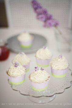 rhubarb poppy seed cupcakes
