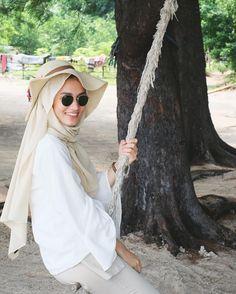 Comfy Fall Outfits, Classy Outfits, Classy Clothes, Modest Fashion, Hijab Fashion, Fashion Outfits, Ootd Hijab, Hijab Outfit, Beach Ootd