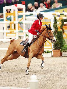 More Partner Pferd. Penelope Leprevost from France with Flora de Mariposa.