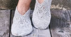 Knitted Slippers, Knit Mittens, Knitted Shawls, Knitting Socks, Leg Warmers, Crochet, Shoes, Knits, Diy