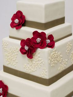 ivory/red/lt brown cake