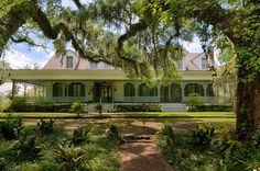 The Myrtles Plantation, St. Francisville, Louisiana  One of the nation's oldest plantations, with the house dating back to 1796, at least a dozen different ghosts have been repeatedly reported here, including one who was murdered.  45 Spine Tingling Haunted Places in the USA