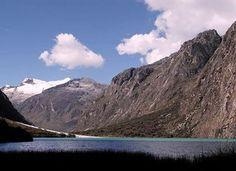 Cuáles son las montañas más altas del Perú: Huascarán - 6.768 m. - Cordillera Blanca