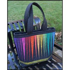 The Quilter's Palette Tote Bag - Free PDF Pattern + Foundation Paper Piecing Tutorial