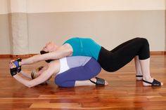 33 mejores imágenes de yoga challenge  yoga en parejas