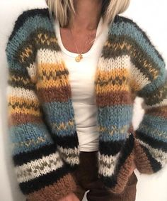Min høstjakke Knitting pattern by Knit_by_Siv Siv Kristin This cardigan can be knitted by anyone. It is fast knitted on needle Pattern in Norwegian and English. Beginner Knitting Patterns, Arm Knitting, Knitting For Beginners, Knitting Sweaters, Crochet Patterns, Knit Crochet, Crochet Hats, Crochet Birds, Crochet Food
