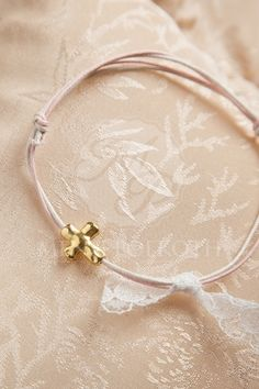 Martyrika - wintess bracelets in ivory and pink with cross and lace bow Christening Themes, Baptism Candle, Lace Bows, Diy And Crafts, Hoop Earrings, Baby Shower, Bracelets, Pink, Gold