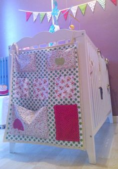 sewing tutorial empty pocket baby bed Source by charlainedupuis Coin Couture, Baby Couture, Sewing Tutorials, Sewing Crafts, Sewing Projects, Baby Bedroom Furniture, Baby Jars, Sewing Online, Living At Home