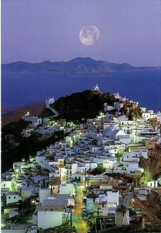 Chora village,capital of Serifos island,so close to Athens,so far away from everything.I think Sifnos is the other island that is under the moon.    photo TBoH