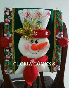 icu ~ Pin en Navidad ~ This Pin was discovered by Julia Angelica Loayza Enriquez. Discover (and save!) your own Pins. Christmas Ornaments To Make, Christmas Stockings, Christmas Wreaths, Christmas Crafts, Christmas Decorations, Holiday Decor, Christmas Chair, Christmas 2019, Christmas Applique