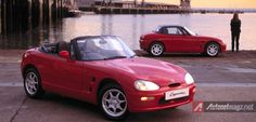 Suzuki Cappuccino, Si Roadster Mungil, I'd love to throw a into this. Japanese Sports Cars, Classic Japanese Cars, Classic Cars, Hamamatsu, Kei Car, Convertible, Automobile, Pagani Zonda, Japanese Imports
