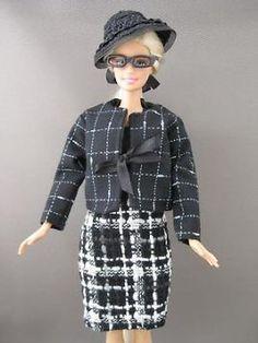 Black and White. €6. Zelfgemaakte Barbie kleding te koop via Marktplaats bij de advertenties van Nala fashion. Homemade Barbie doll clothes (OOAK) for sale through Marktplaats.nl Verkocht / Sold