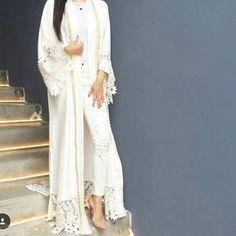 Summer whites with ❤ Available now online Abaya Fashion, Fashion Dresses, Abaya Designs Dubai, Cheap Short Prom Dresses, Long Dresses, Kaftan Pattern, Style Africain, Middle Eastern Fashion, Mode Abaya