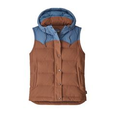 The Patagonia Women's Bivy Hooded Vest is a wind- and water-resistant quilted, hooded down vest made of nylon canvas and insulated with Recycled Down. Nylons, Hooded Vest, Tommy Hilfiger Damen, Down Vest, Outdoor Outfit, Neue Trends, Hoods, Cool Style, Fitness Models