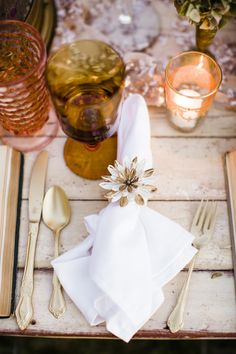 Rustic, fall place setting: http://www.stylemepretty.com/little-black-book-blog/2014/11/03/fall-in-love-wedding-inspiration/ | Photography: Betsi Ewing - http://betsiewing.com/