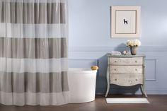 La nueva colección de artículos para el hogar de Blash by Rosanna Queirolo incluye artículos como ducha y piso de baño. Exclusivos de Megamaxi.   Foto: Cortesía Rosanna Queriolo  Clave 42!