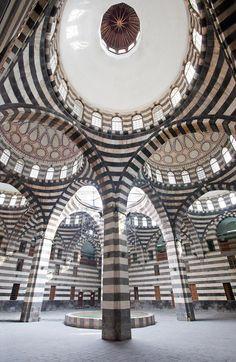 Courtyard of Khan As'ad Pasha Damascus, Syria. Photo: Quintin Lake - patterns, architecture