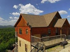 Unbelievable mtn view cabin- gas fireplace, Direct TV, hot tub, heated pool