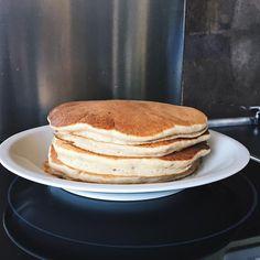 Si vous me suiviez déjà sur mon ancien blog alors vous êtes au courant que je suis la reine en matière de crêpes et pancakes. J'adore en fa...
