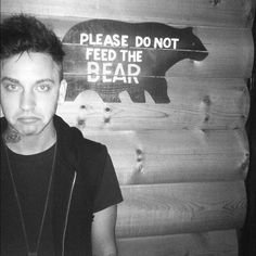Please feed the bear!