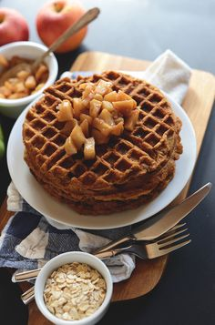 Cinnamon Apple Waffles | minimalistbaker.com