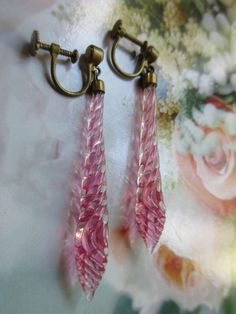 Vintage Deco 20s Pink Swirled Glass Screw Back Earrings