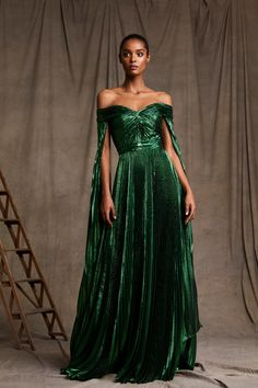 Zuhair Murad Pre-Fall 2020 Fashion Show Collection: See the complete Zuhair Murad Pre-Fall 2020 collection. Look 28 Haute Couture Gowns, Style Couture, Couture Dresses, Couture Fashion, Runway Fashion, Fall Fashion, High Fashion, Street Fashion, Fashion Trends
