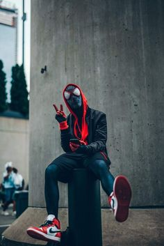 Miles in real life into the spiderverse Spiderman marvel comics marvel universe Marvel Comics, Marvel Art, Marvel Heroes, Avengers Superheroes, Marvel Avengers, Deadpool Wallpaper, Avengers Wallpaper, Spiderman Spider, Amazing Spiderman