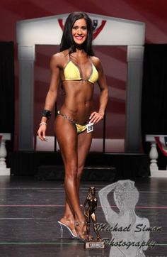 Interview with vegan bikini compeitor: Erin McComb. Includes her meal plan and training program