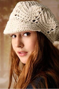 Crochet beret ♥LCH♥ with diagram Crochet Adult Hat, Crochet Beret, Knit Or Crochet, Crochet Scarves, Crochet Crafts, Crochet Clothes, Crochet Projects, Free Crochet, Knitted Hats