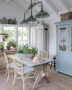 Rustic Home Decor .Rustic Home Decor Shabby Chic Kitchen, Shabby Chic Homes, Shabby Chic Decor, Chabby Chic, Style At Home, Country Style Homes, Farmhouse Chic, Farmhouse Design, Deco Champetre