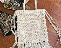 Vestido de ganchillo hippie ropa boho vestido gitano | Etsy Style Boho, Style Casual, Hippie Crochet, Gypsy Dresses, Vintage Gifts, Boho Outfits, Hippy, Drawstring Backpack, Vintage Dresses