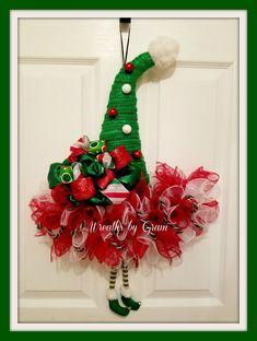 Elf Hat Wreath, Christmas Wreath, Elf Wreath, Christmas Decor, Elf Decor, Holiday Wreath, Christmas Elf Hat Wreath, Gift for Her, Gift Ideas   #christmasgifts #christmasdecor #giftideas #wreaths #holidaydecor #elfontheshelf #elfhat #doorhanger