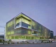 Pitagoras Building/ Ferrer Arquitectos