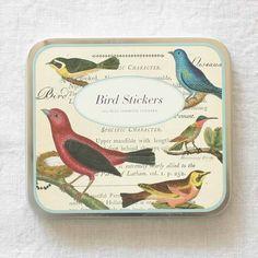 みんな大好き鳥モチーフ可愛いネイルも大人っぽいもネイルもみんなお任せバードネイルでなりたい自分に