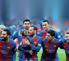 El Barça es quelcom més que un club de futbol Barcelona Players, Barcelona Soccer, Fc Barcelona, Infp, Soccer Players, Club, Seasons, Football Players, Seasons Of The Year
